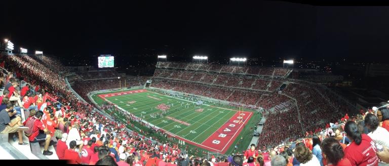 https://upload.wikimedia.org/wikipedia/commons/7/7b/Night_panorama_of_TDECU_Stadium.JPG