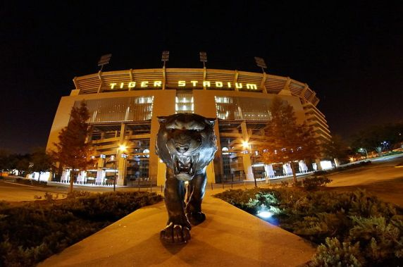 800px-tiger_stadium_at_night