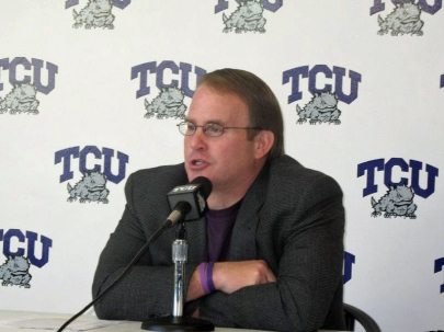 800px-coach_gary_patterson_of_the_tcu_horned_frogs